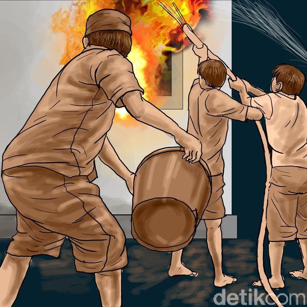 Lapak Barang Bekas di Kebon Jeruk Terbakar