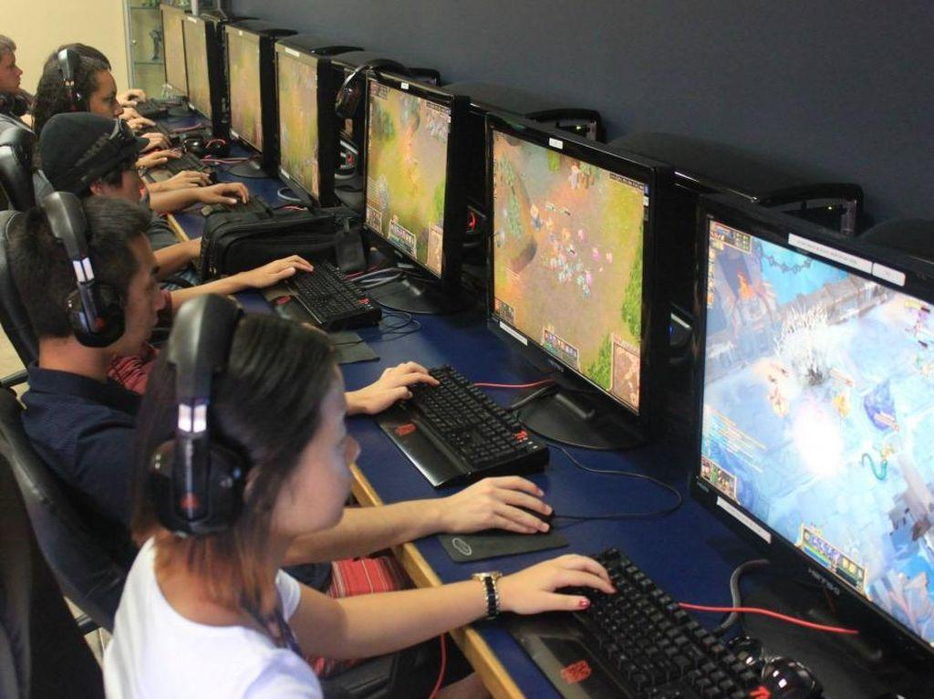 Di Kampus Ini, Jago Main Game Diganjar Beasiswa