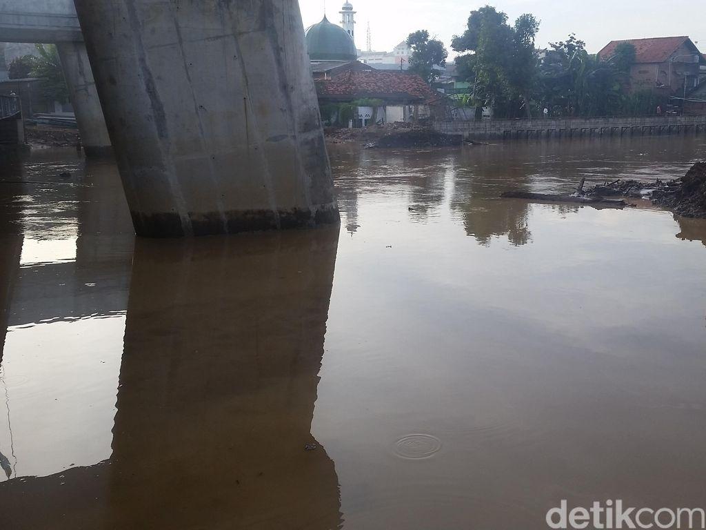 Sempat Banjir, Air yang Menggenangi Rawajati Sudah Surut