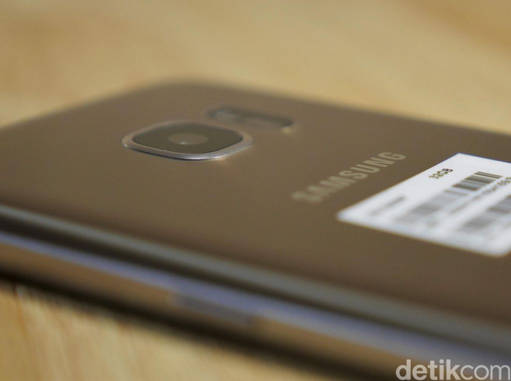 Samsung Sebar Undangan Peluncuran Galaxy C5