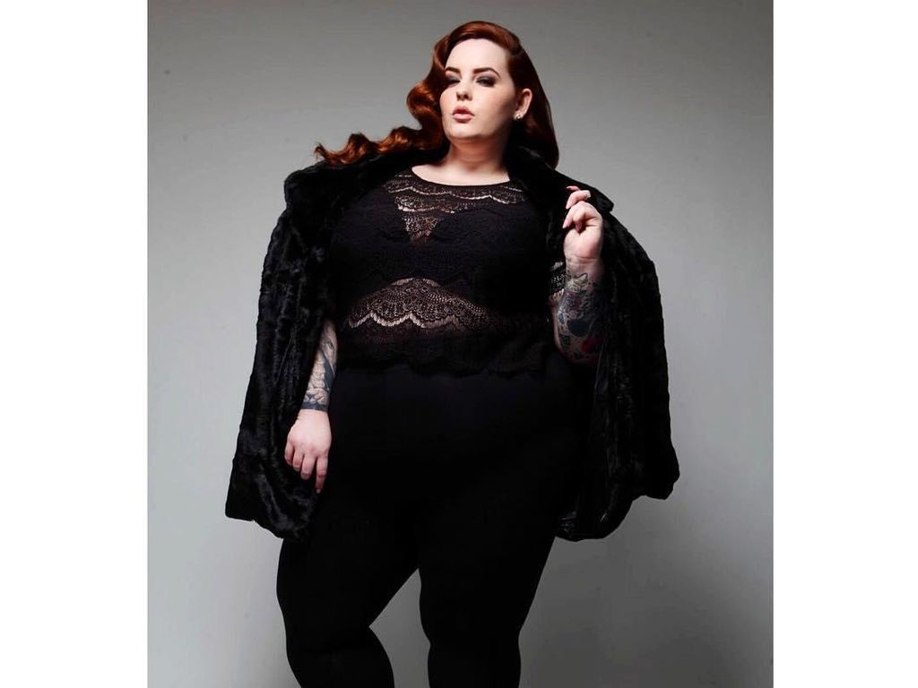 Para Model Plus Size Berpose di New York Fashion Week