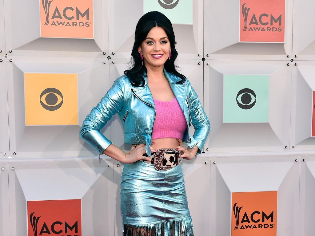 Penampilan ala Cowgirl Katy Perry di ACM Awards