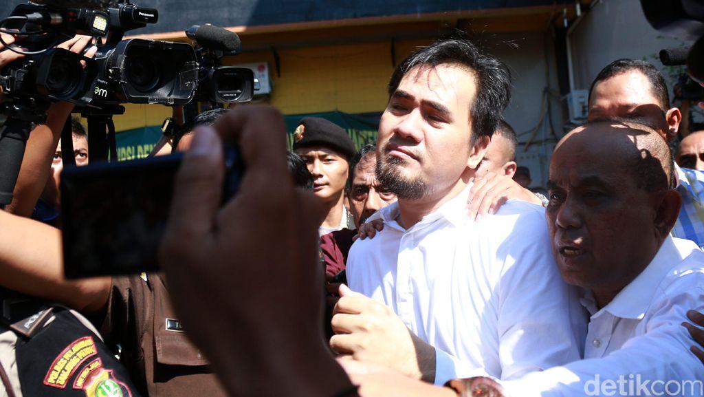 Beda dengan Tahanan Lain, Saipul Jamil Tak Diborgol Saat Dipindah ke Cipinang