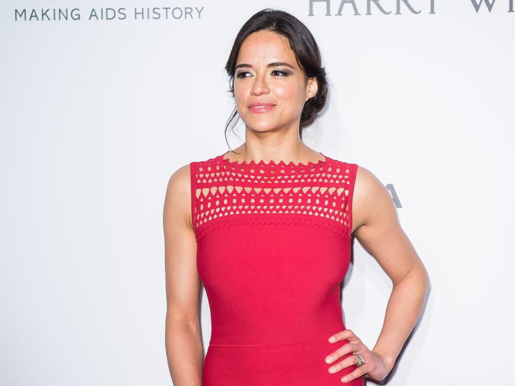Michelle Rodriguez Iri Paul Walker Meninggal Lebih Dulu