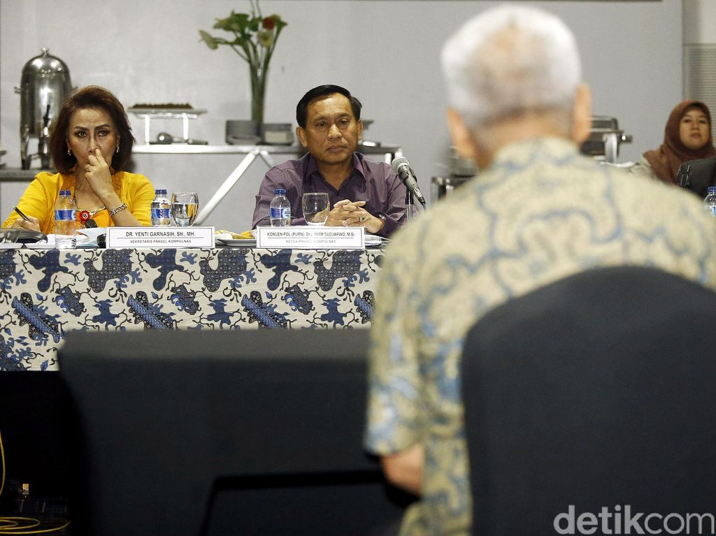 Calon Komisioner Kompolnas Jalani Tes Wawancara