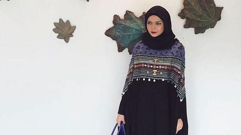 Vivi Zubedi, Akuntan yang Banting Setir Jadi Desainer Abaya