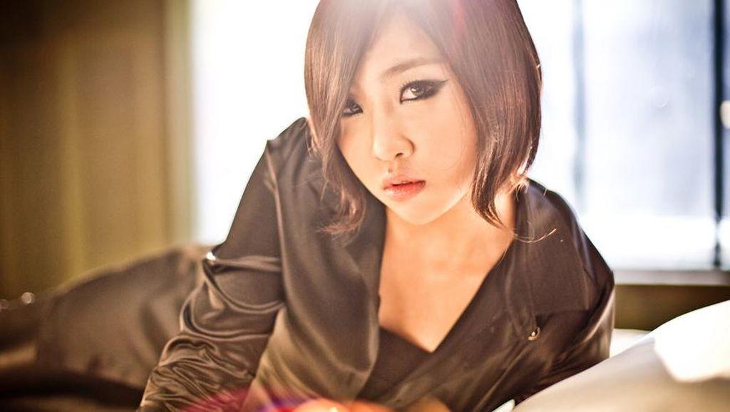 Minzy Tak Diberi Tahu Langsung Soal Lagu Terakhir 2NE1?