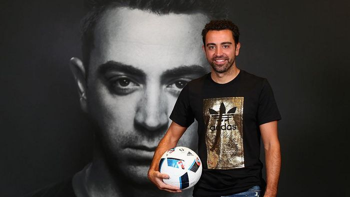 Xavi Hernandez mengaku menolak tawaran menjadi pelatih anyar Barcelona (Foto: Francois Nel/Getty Images)