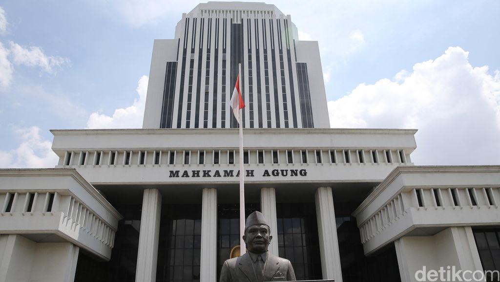 Jokowi Sudah Pilih Sekretaris MA, Siapa Dia?