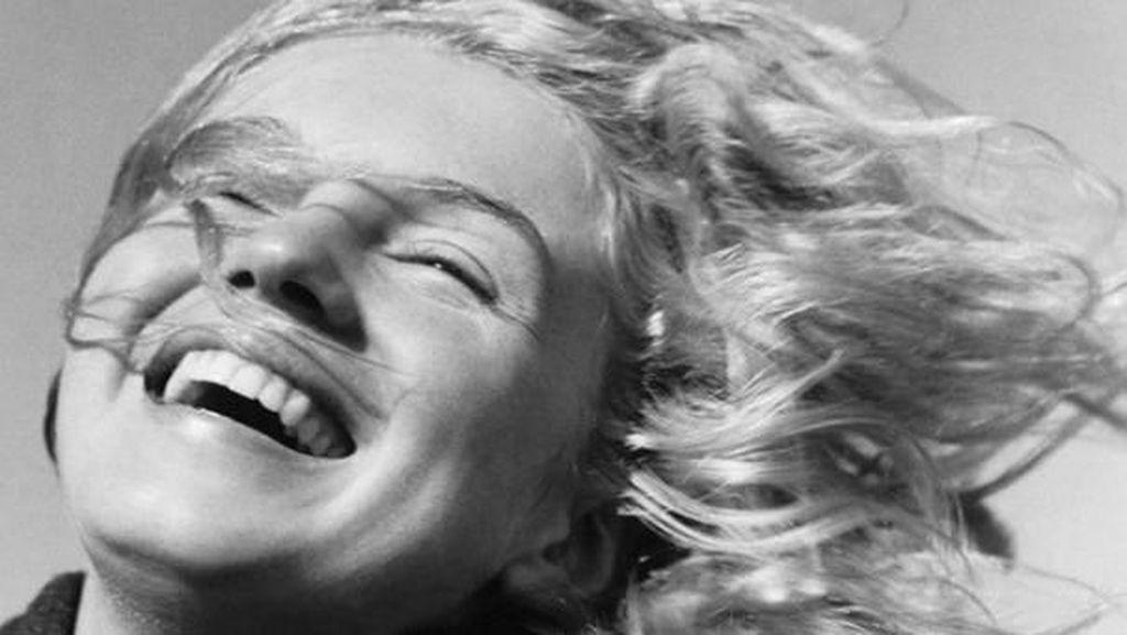 Dirilis, Foto Langka yang Tampilkan Kecantikan Marilyn Monroe di Usia 20