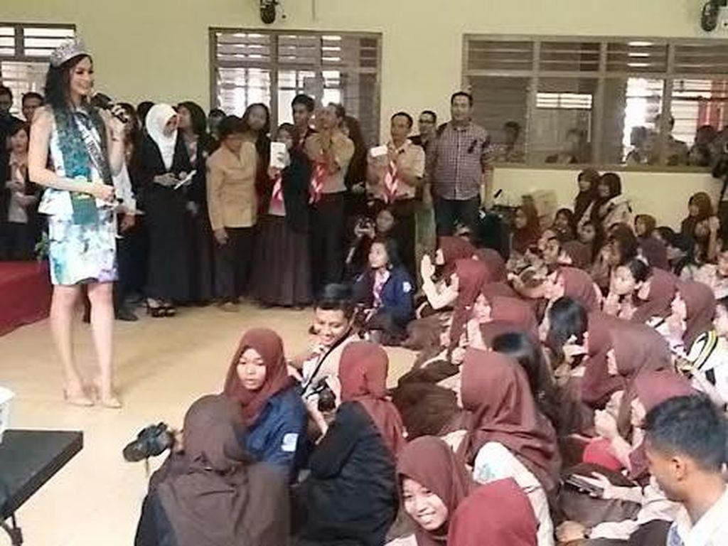 Putri Indonesia Ingatkan Bahaya Narkoba ke Pelajar