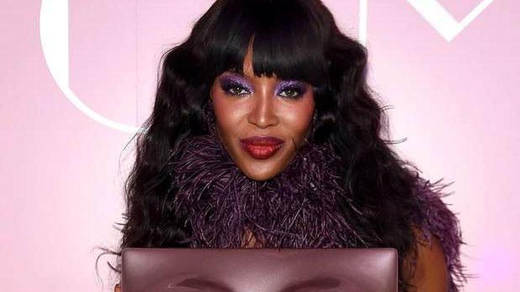 Naomi Campbell Rilis Buku dengan Bentuk Payudaranya Seharga Rp 22 Juta