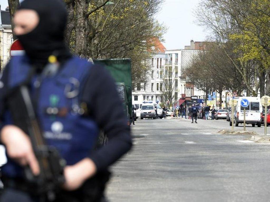 Italia Tangkap Pria Aljazair yang Diduga Bantu Serangan Paris