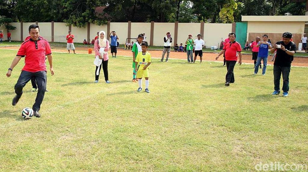 Kemenpora Gelar Turnamen Sepak Bola Usia Muda