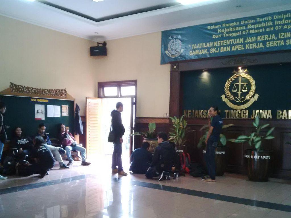 Suasana Kantor Kejati Jabar Pasca Penangkapan Jaksa oleh KPK