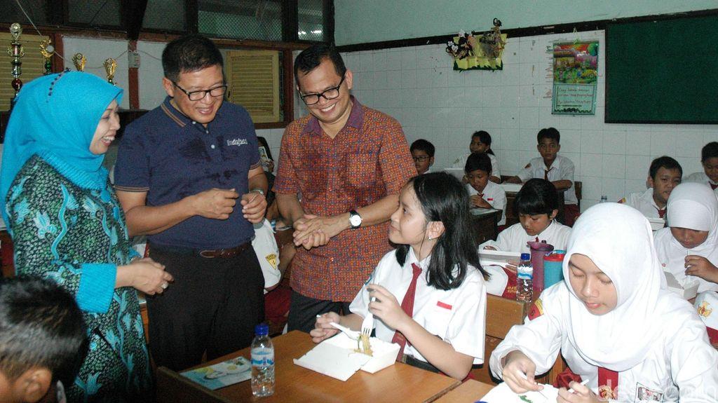 Pekan Sarapan Nasional di SDN Dr Soetomo V Surabaya