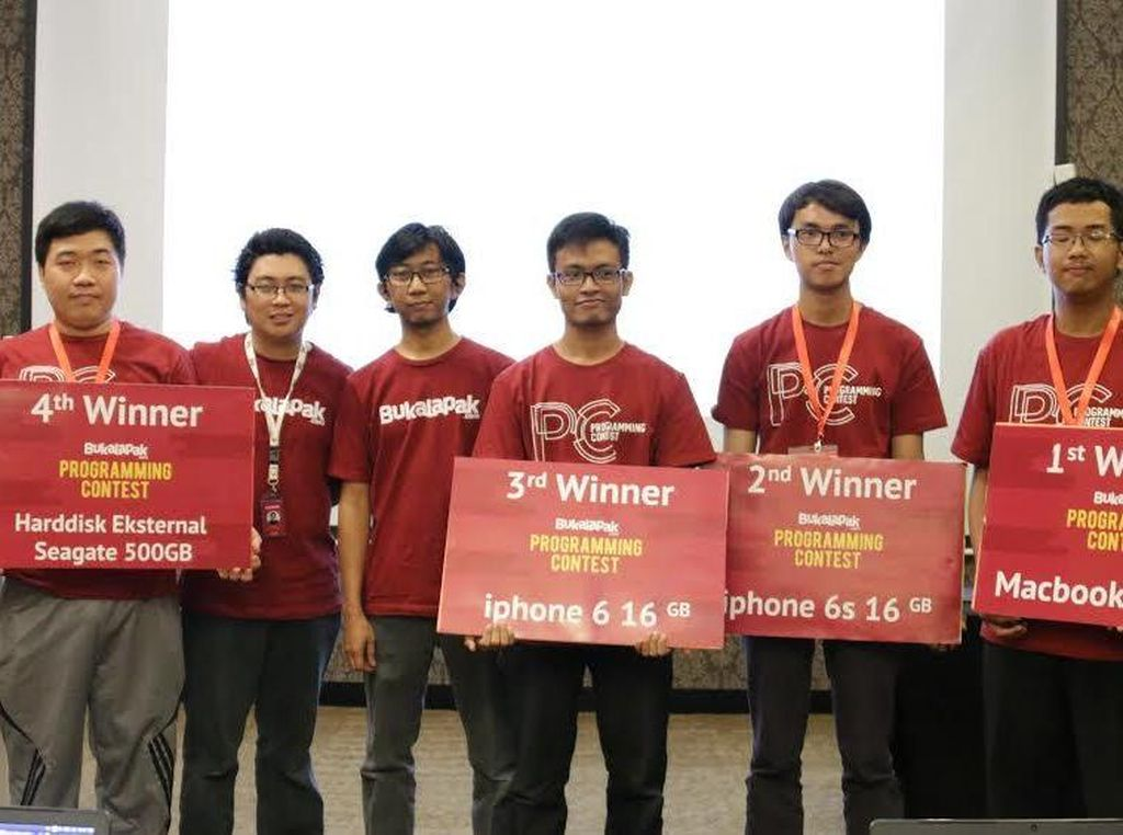Ahmad Zaky Juara Kontes Programming BukaLapak