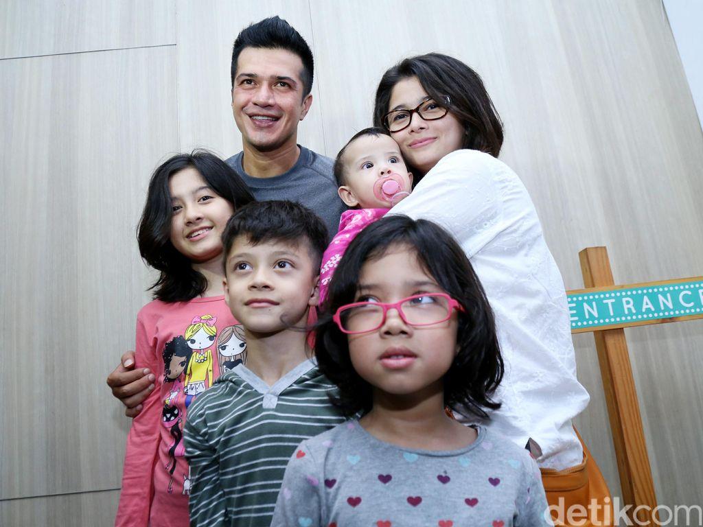 Kebersamaan Primus, Jihan Fahira dan 4 Anaknya