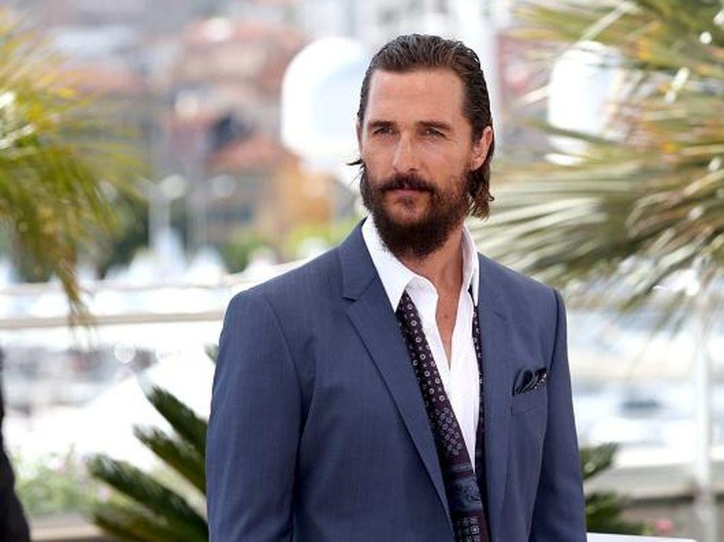 Curhat soal Kematian Ayahnya, Matthew McConaughey Dulang Kritik