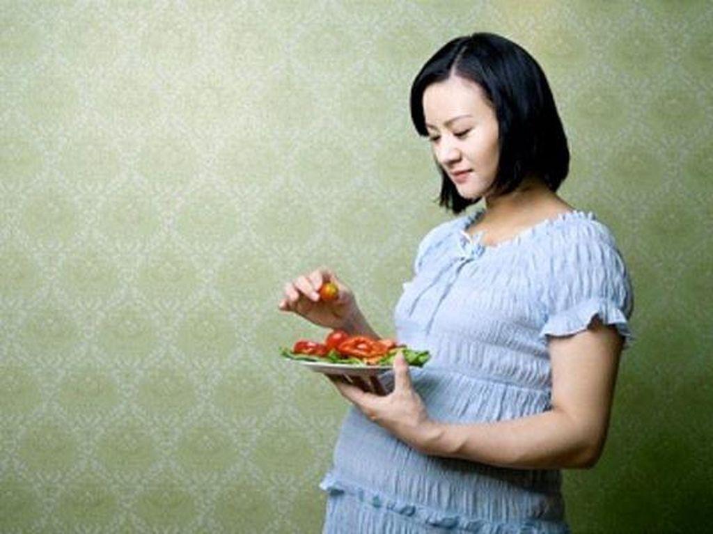 Penyebab Ibu Hamil Dianjurkan Hindari Makanan Setengah Matang