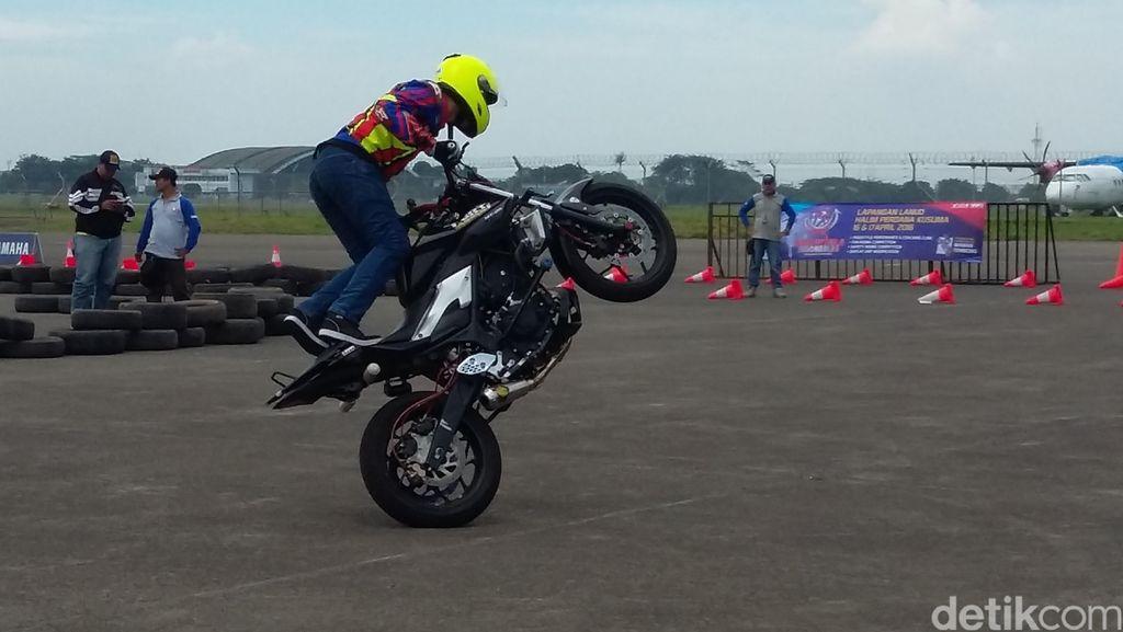 Yamaha Ramaikan HUT TNI AU dengan Aksi Freestyle