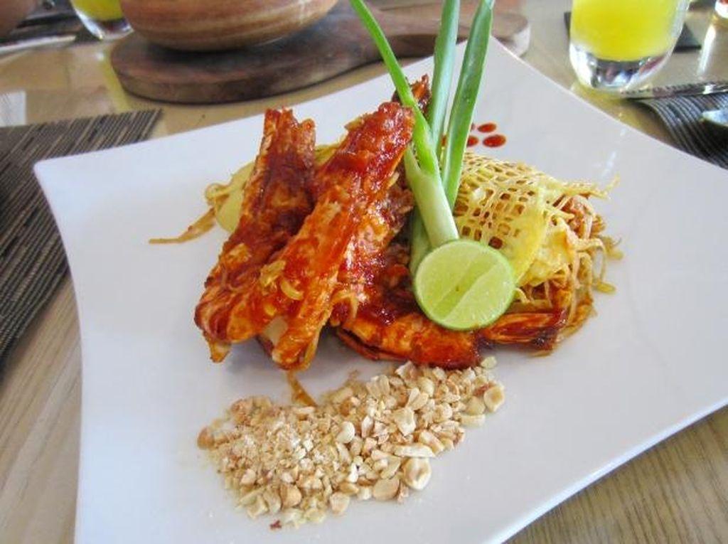 Ada Sorbet Tom Yam dan Mussamun Curry Asli Thailand di Bengawan