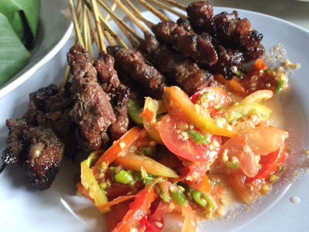 Bupati Dedi Gunakan Sate Maranggi untuk Diplomasi Kuliner
