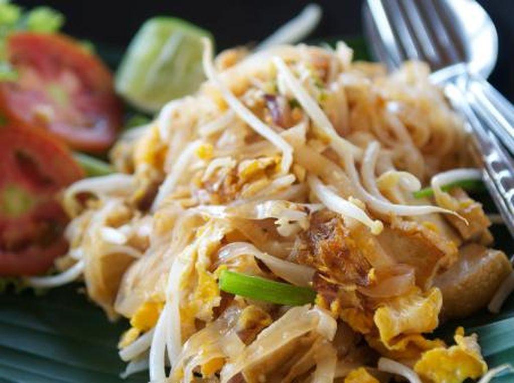Yuk, Cicip Pad Thai yang Gurih Mengenyangkan di Tempat Ini!