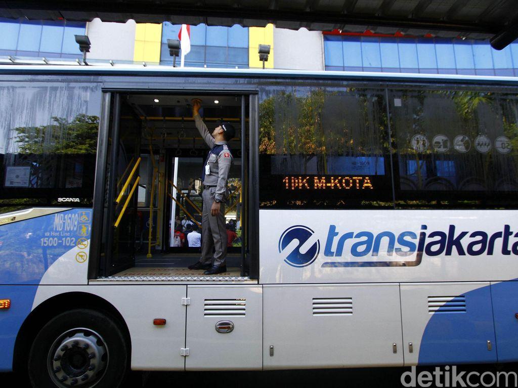 Ini Penjelasan TransJakarta Soal Kecelakaan Bus Vs Motor di Cawang