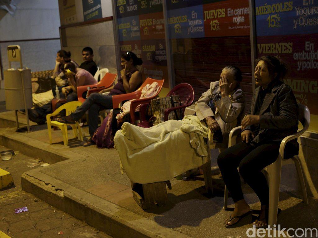 Korban Tewas Gempa Ekuador Jadi 480 Orang, 1.700 Hilang