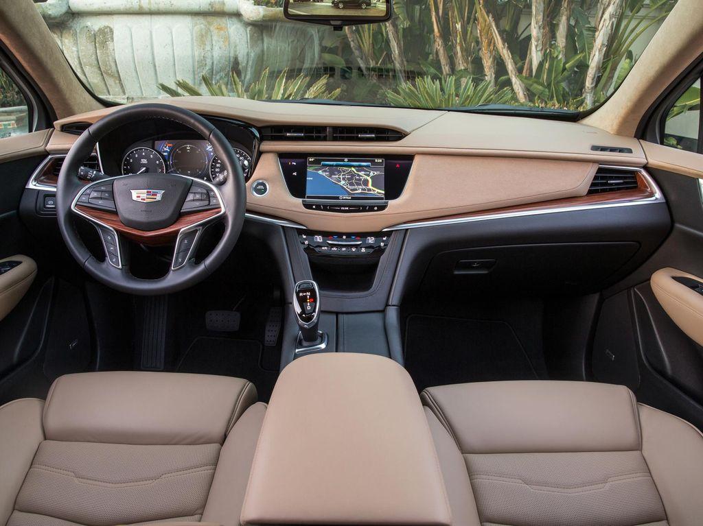 Cegah Virus, Amankah Interior Mobil Dibersihkan Pakai Alkohol?