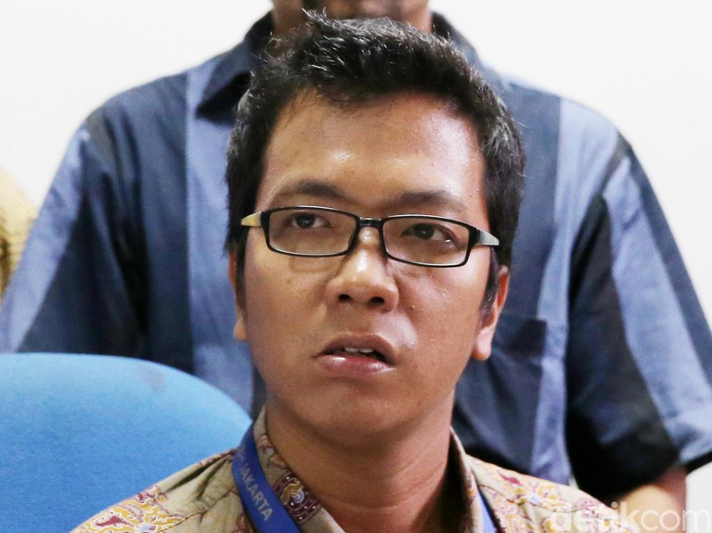 Warga DKI Sela Sidang Juliari soal Ganti Rugi Bansos, Hakim Kesampingkan