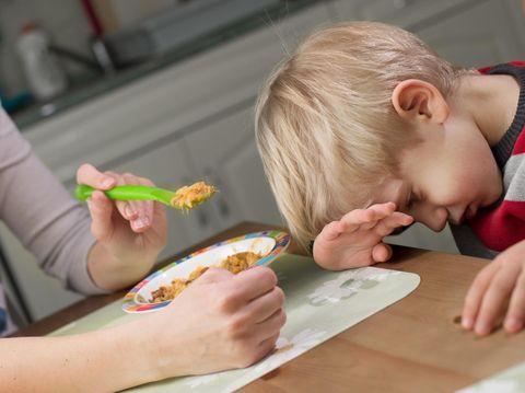 Ilustrasi anak picky eater atau susah makan