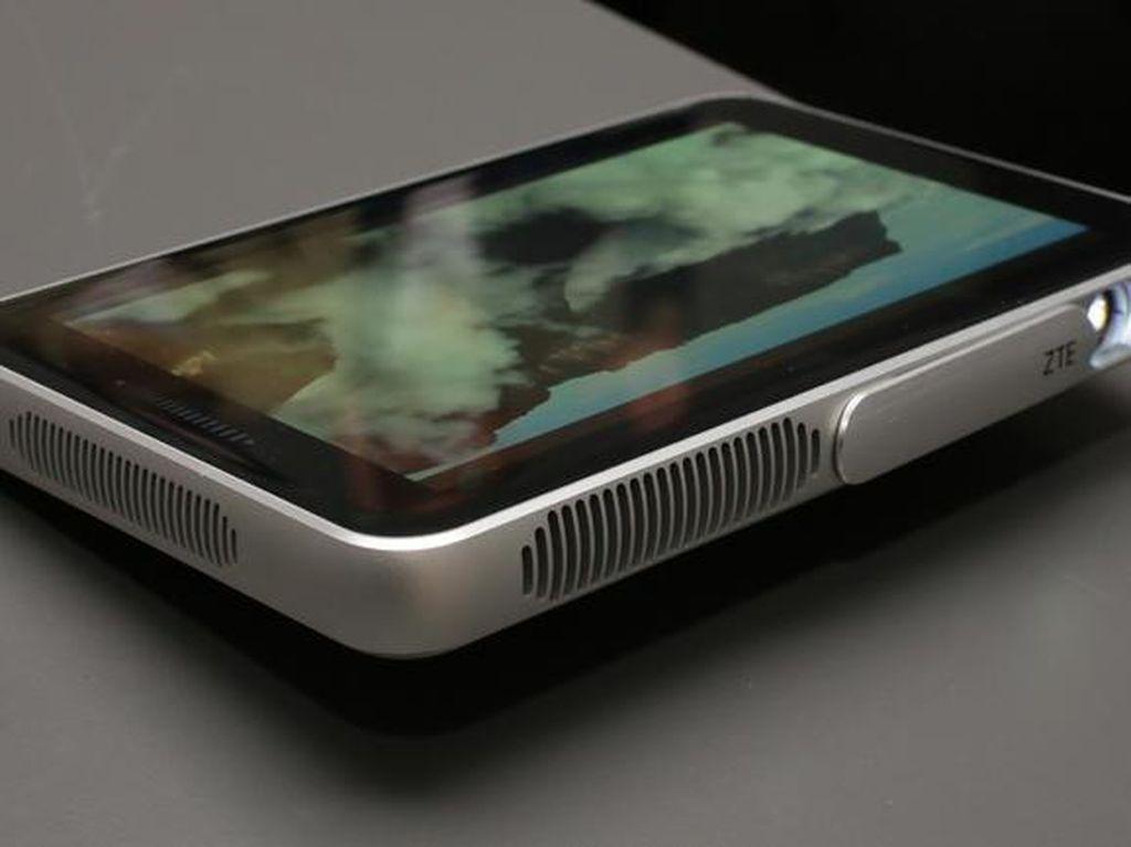 ZTE Pamer Tablet Proyektor