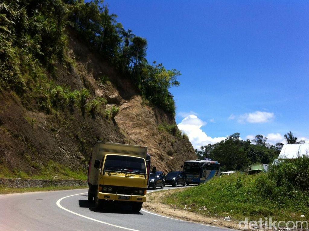 Jembatan Dampala Tersapu Banjir, Jalur Trans Sulawesi Sulteng-Sultra Putus
