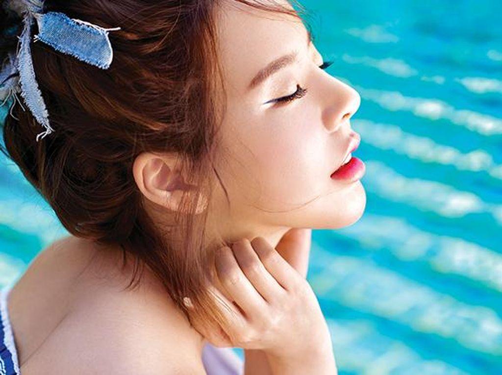 Bibir Sensual Sunny SNSD Saat Pemotretan Majalah di Bali
