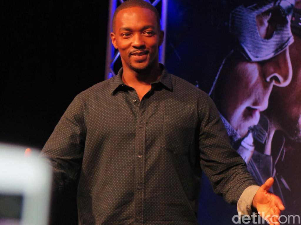 Anthony Mackie Pamer Ini ke Tom Holland, Kode Kuat Captain America 4