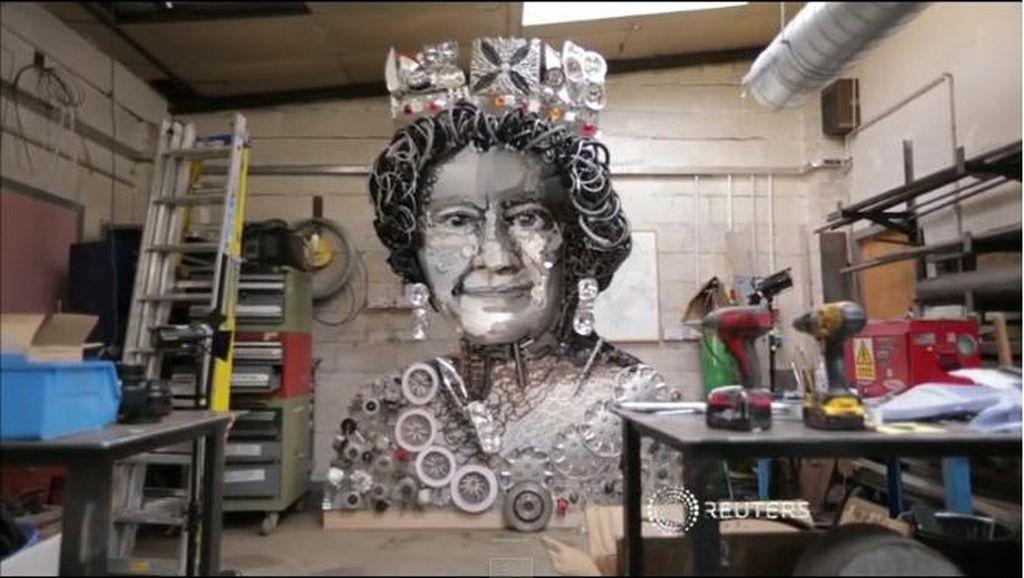 Ultah Ke-90, Pematung Inggris Persembahkan Patung Unik Ratu Elizabeth II