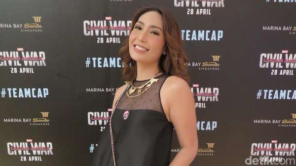 Ayu Dewi Excited Ketemu Captain America