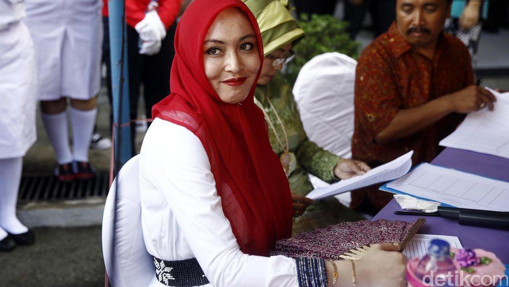 Angelina Sondakh Bantah Dinikahi Siri Oleh Brotoseno