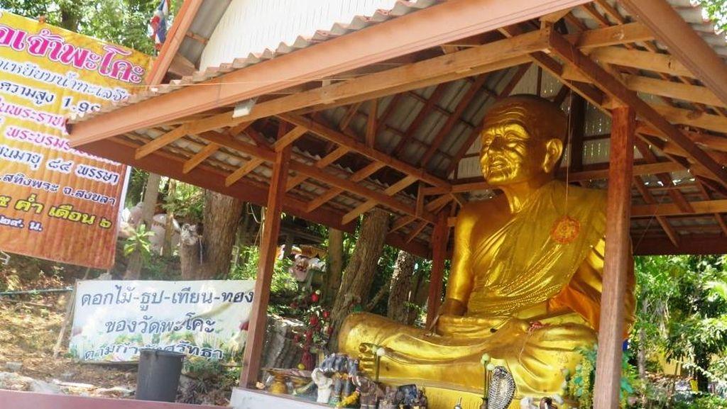 Jejak Bhiksu Sakti di Vihara Wat Pha Kho, Thailand