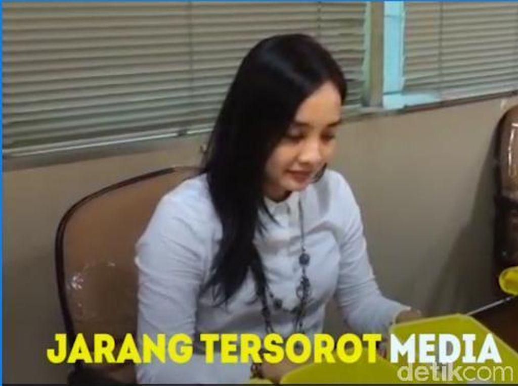 Behind The Scene Stafsus Cantik Anggota DPR