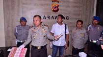 Tangkap Penipu Penukaran Uang Dolar, Polisi Temukan Senpi di Rumah Pelaku