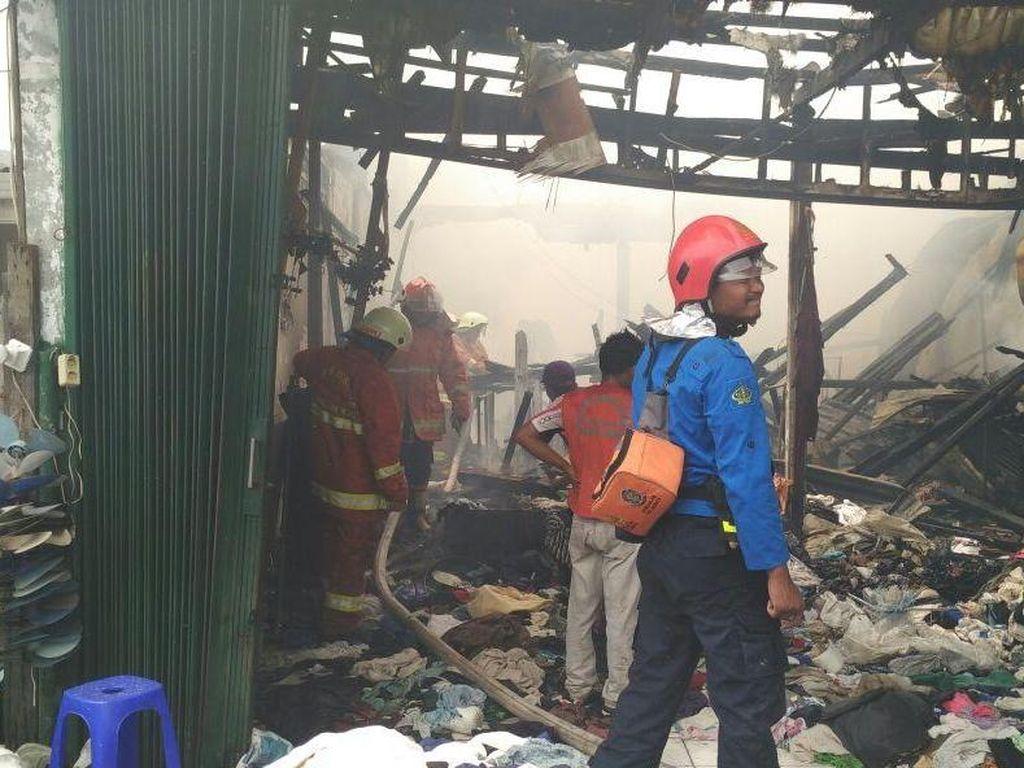 Kebakaran 51 Rumah di Kalibaru Diduga Akibat Korsleting Listrik
