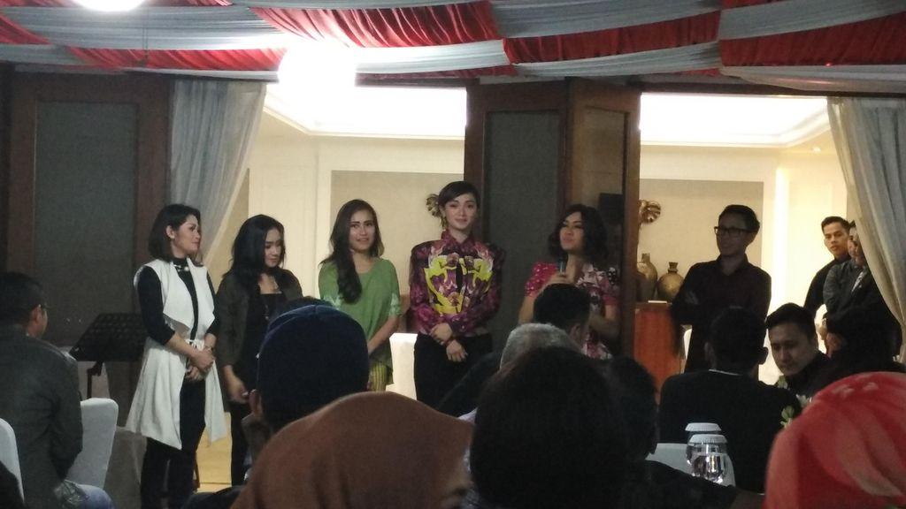 Jupe Curhat Soal Kerja, Pasha Bicara Kemampuan Artis di Depan Ketua MPR