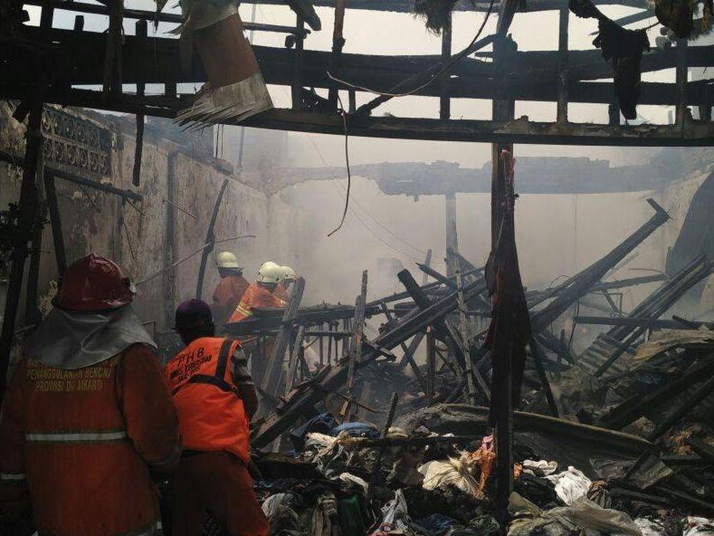 Kebakaran di Kalibaru Padam, Korban Meninggal Bertambah Jadi 2 Orang