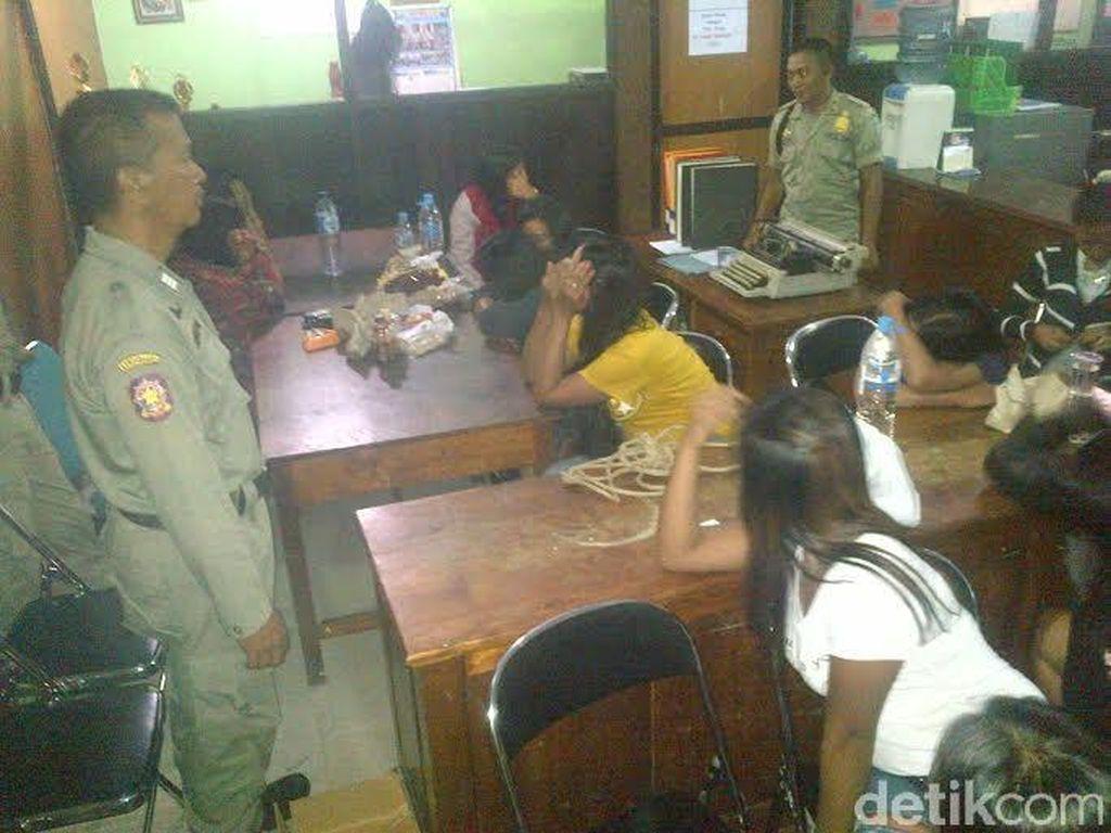 Dua Lokasi Prostitusi Liar di Situbondo Dikepung Satpol, 18 PSK Tak Berkutik