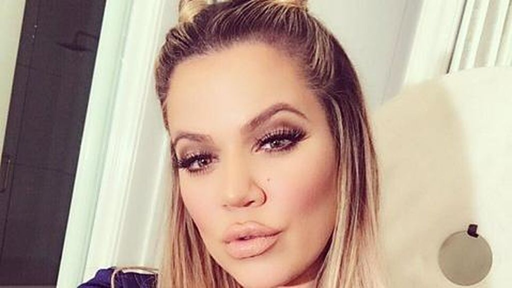 Cepol Dua Seperti Kuping Hello Kitty Jadi Tren Rambut di Coachella