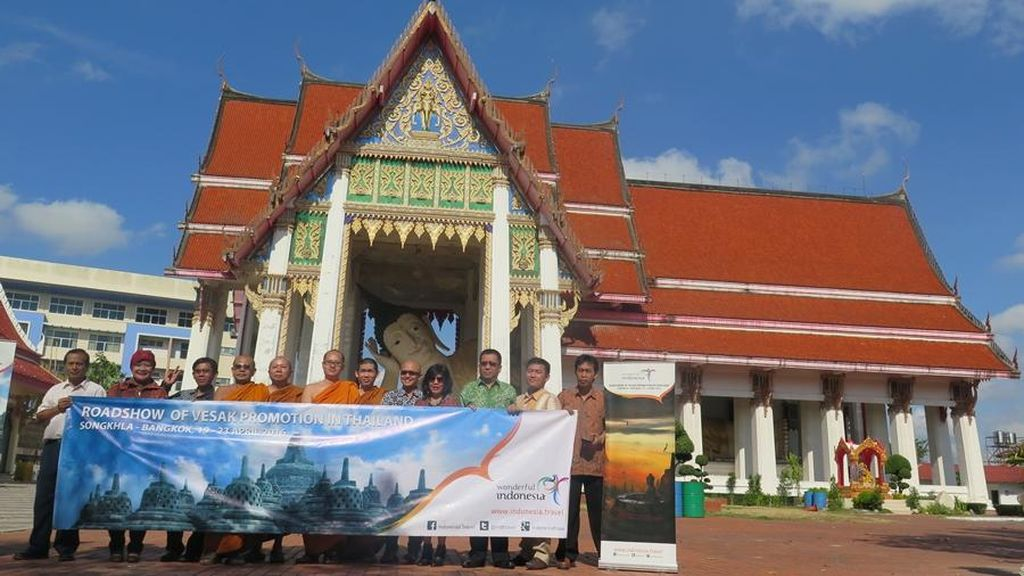 Sebagai Living Monument, Candi Borobudur Juga Menyasar Umat Buddha Thailand