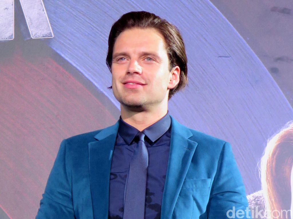 Sebastian Stan Sebut Film Captain America: Civil War Heartbreaking